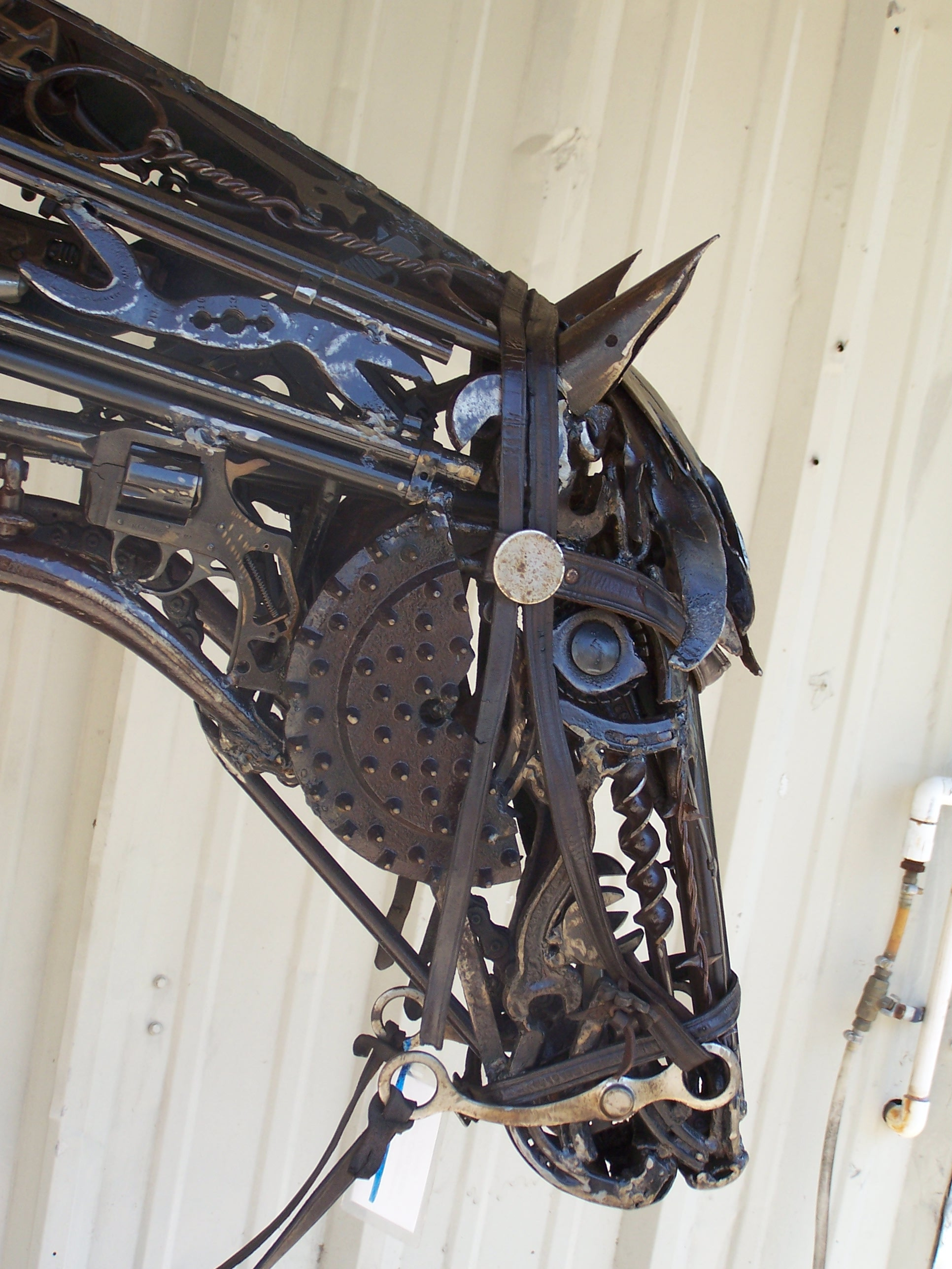 TMJ CREATIVE SCULPTURES HORSE HEADS
